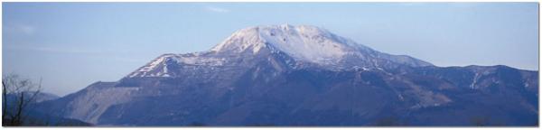 伊吹山の遠景